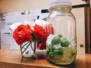 実は横に飾っているバラもMade in イイオなのです(^^)